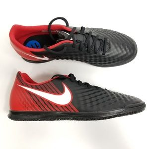 best website 944ab e9cc5 ... Nike Mens MagistaX Ola II IC Indoor Soccer Shoes ...